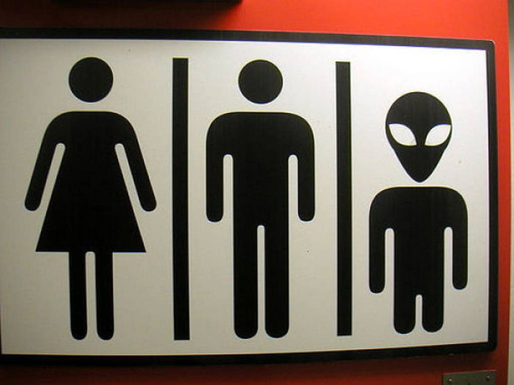 10 funny toilet signs from around the world @ HiddenRoom