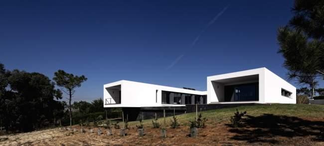 U House exterior