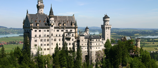Top 50 Most Beautiful Castles in the World thumb