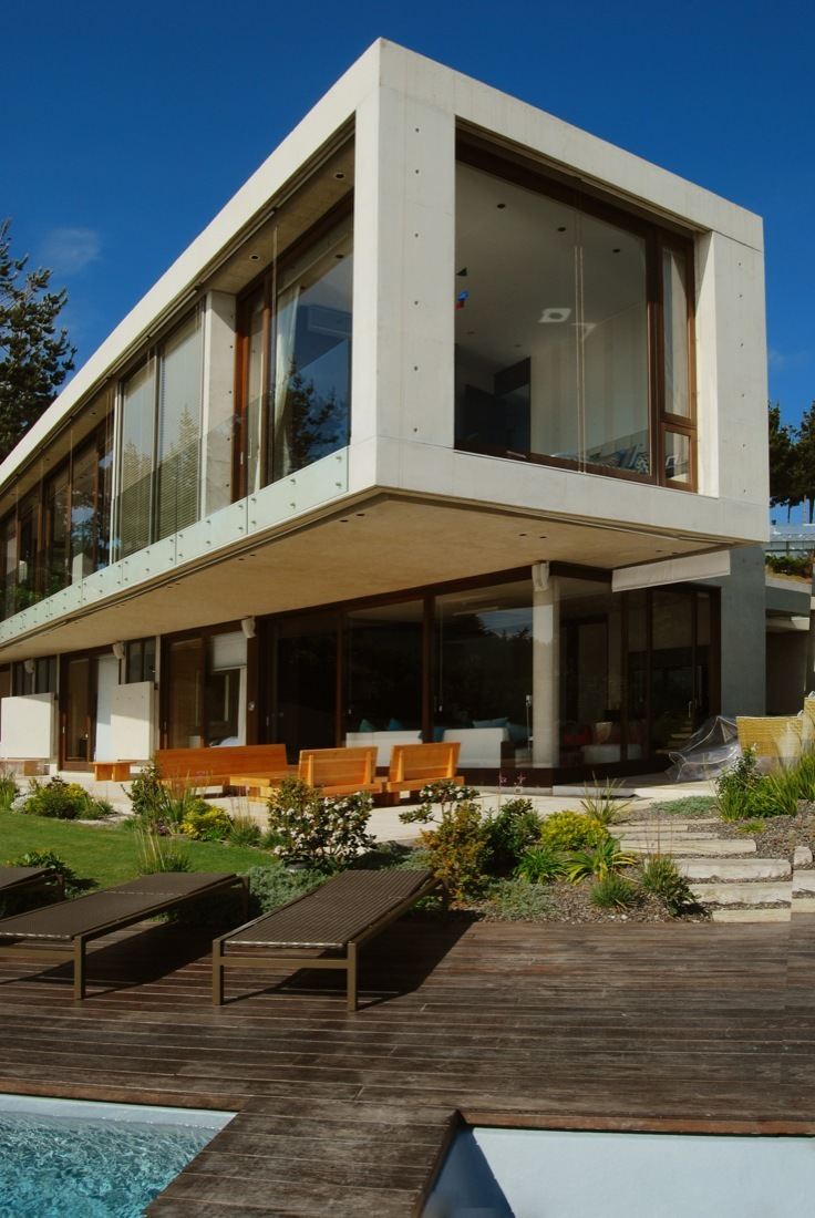 Cantagua House by Daniela Uribe Architects from the sea